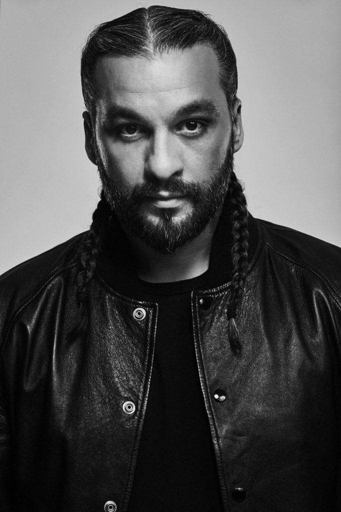 El DJ y productor sueco y propietario de una discográfica, Steve Angello, formó parte del grupo house Swedish House Mafia.