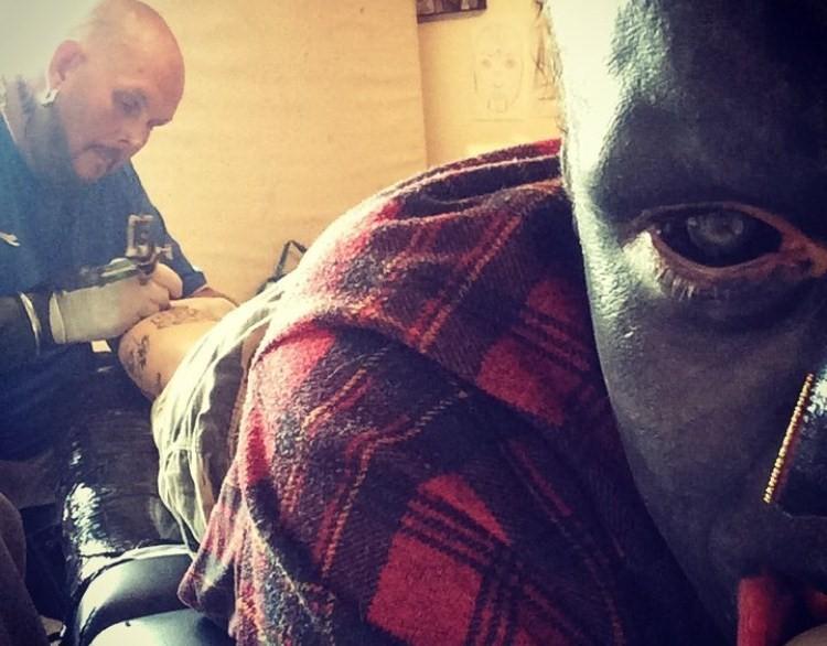 Tatuajes Extremos un chico se hace viral por sus tatuajes extremos - young españa